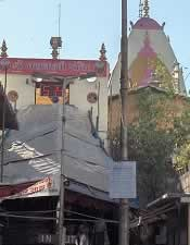 Mahalakshmi Temple Mumbai is famous for it's Navratri festival.