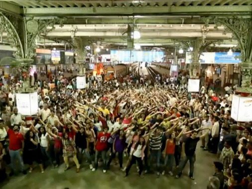 "Picture of Flash Mob dancing to ""Rang De Basanti"" at Mumbai VT (CST) Station"