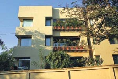 Outside view of Amitabh Bachchan's Office – Janak - Wonderful Mumbai