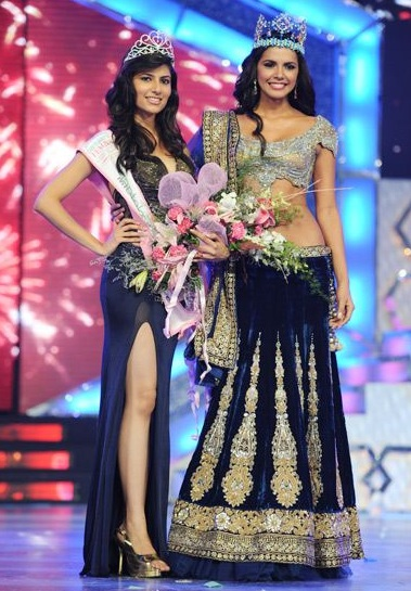 Vanya Mishra - Pantaloons Femina Miss India World 2012, with Miss World 2011 Ivian Colimenares