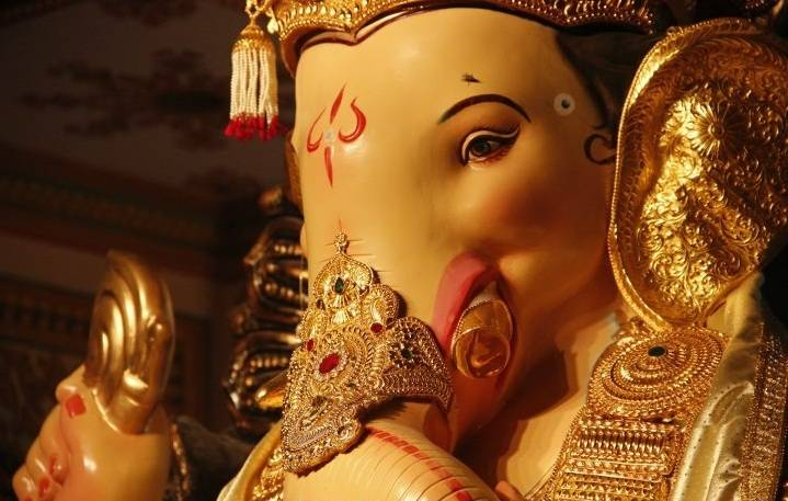 The Fort Ganesh is called the Ichapurti Ganesh since it is believed he fulfills wishes.
