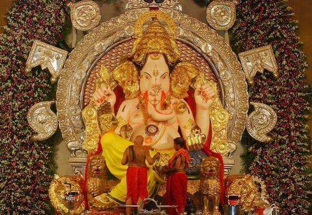 GSB Seva Ganesh Mandal's Ganesh idol at the G S B Sports Ground was started by Karnataka's Gowd Saraswat Brahmin community.