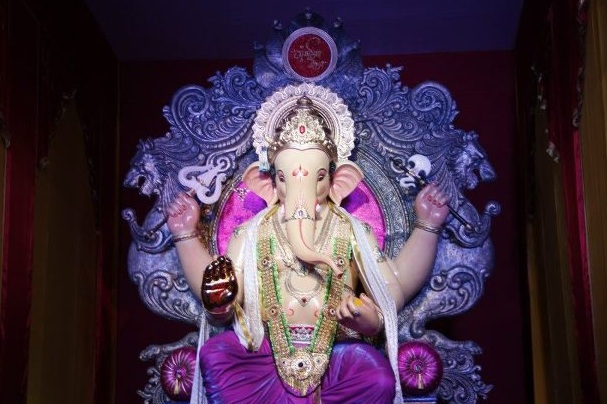 Lalbagh's Ganesh Galli Ganpati Idol is called Mumbaicha Raja