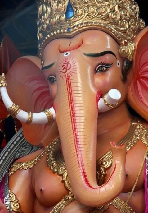 Mumbai's Kethwadi 7 Galli Ganpati Idol has very distinctive, large tusks that stand out.