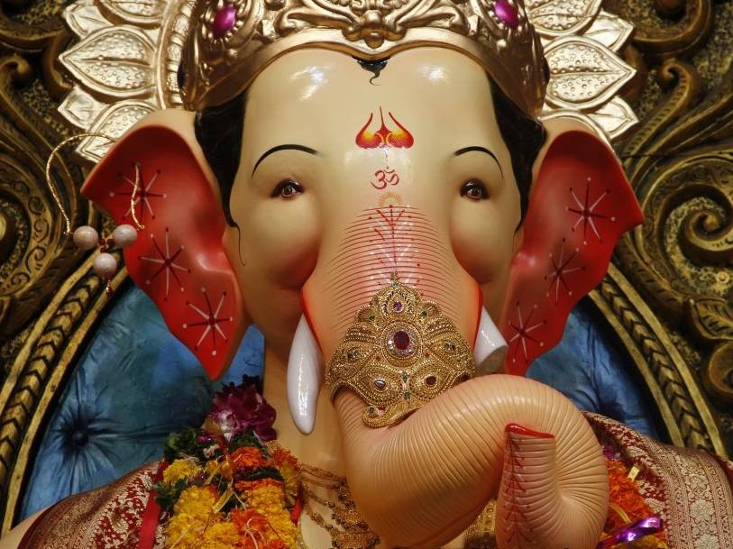 2012 Lalbaugcha Raja Ganesh is also called Mannatcha Raja for fulfilling wishes of devotees.