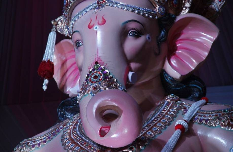 The Nare Park Ganesh is popularly called Parelcha Raja.