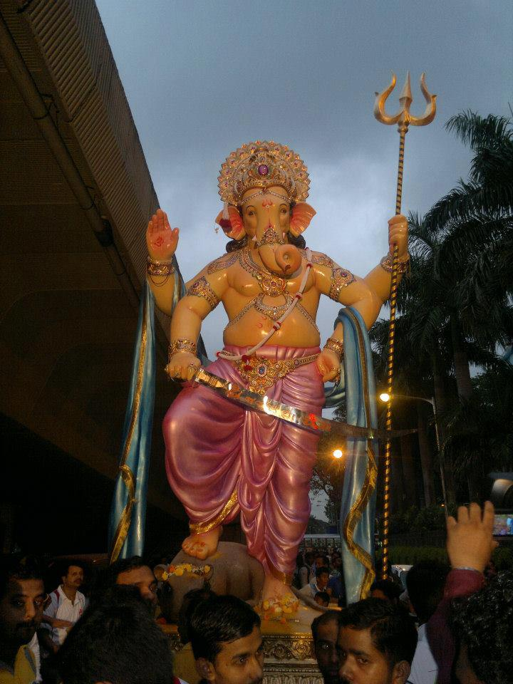 Picture of the imposing 2012 Nare Park Ganesh Idol from Parel in Central Mumbai