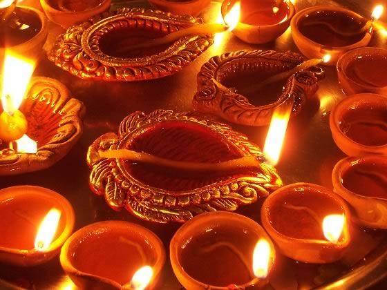 Diwali In Mumbai, Pictures,Fire Crackers, Lights, Decorations, Diyas