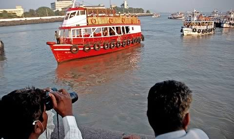 Boat ferry trips from Mumbai's Gateway of India.