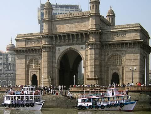 Boats rides from Gateway Of India to Elephanta Caves