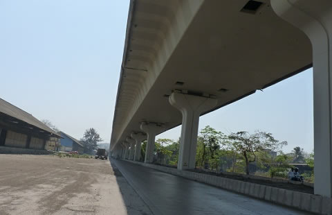 Mumbai Eastern Freeway bridge which is along Mahul Road near Mumbai's Dock area.