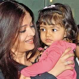 17 month old Aradhya Bachchan with mother, Aishwarya Rai