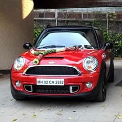 "Amitabh Bachchan's BMW Mini Cooper has a special number plate - 2882. This is related to the ""Coolie"" accident."