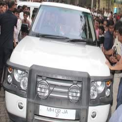 Range Rover is one of the cars of the Bachchan family.