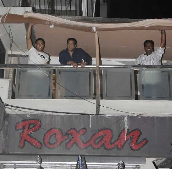 Salman Khan On The Balcony Of His 1st Floor Galaxy Apartments Home