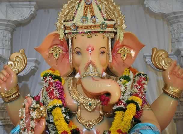Andhericha Raja Ganesh is designed by Rajan Khatu & is trademarked