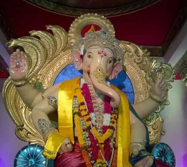 Chinchpoklicha Chintamani is one of Mumbai's most famous Ganpati.