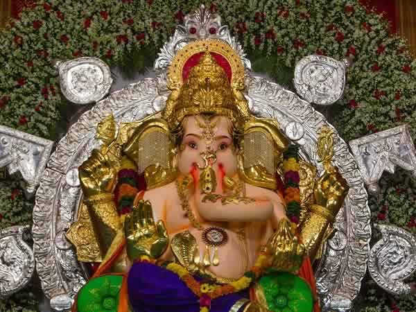 GSB Seva Mandal Ganpati is the richest Ganesh Idol in Mumbai.