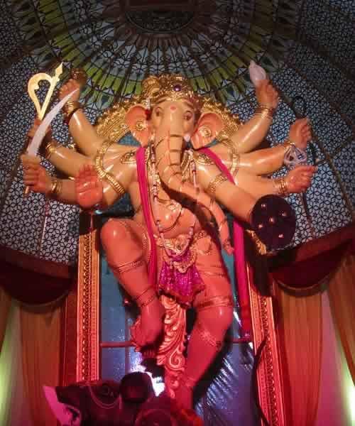 """Khetwadi Galli 11 Ganesh Idol is called """"Mumbai Cha Maharaja"""""""