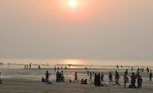Aksa Beach is one of Mumbai's many beaches.