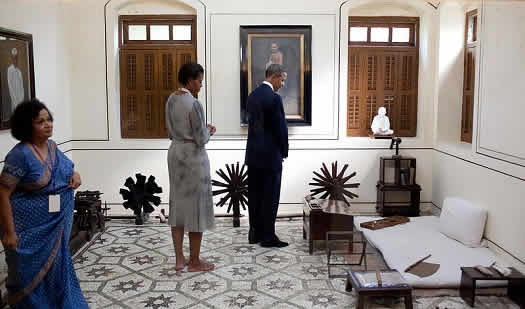 Obama in Mahatma Gandhi's room at Mani Bhavan in Mumbai.