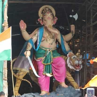 Photo of the Chira Bazaar (Chandanwadi) Ganpati Murti (Idol)