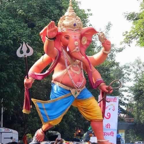 Picture of the 2014 Khetwadi Galli 7 Ganesh Murti.