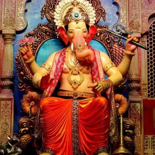 Lalbaugcha Raja: Mumbai's most popular & famous Ganpati.