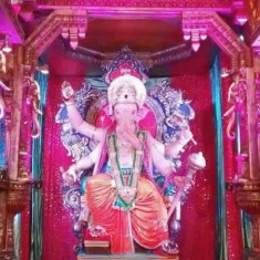 Mumbaicha Raja (Lalbaug Ganesh Gali) is on of Mumbai's best pandal