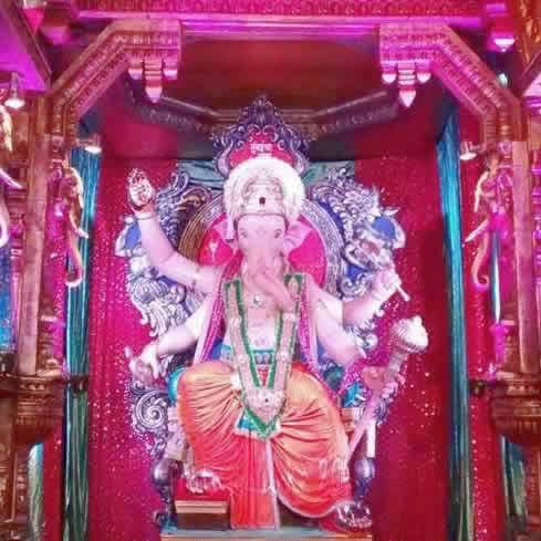 Mumbaicha Raja (Lalbaug Ganesh Gali) is on of Mumbai's best pandal