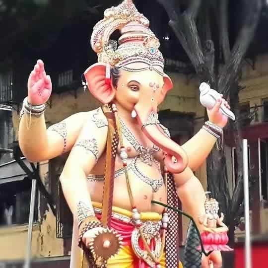 Nare Park Parel Cha Raja is among Mumbai's best Ganpati Murtis.