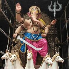 """Tardeo's """"Tulsiwadicha Maharaja"""" Ganpati Idol is Mumbai's best."""