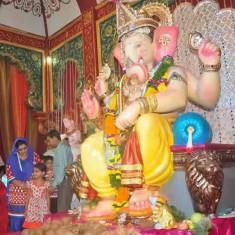 """Andheri Cha Raja Ganesh, aka """"Navasala Pavnara Ganpati"""""""