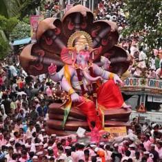 Visarjan Photo of Lalbaug's famous Raja Tejukaya Ganesh