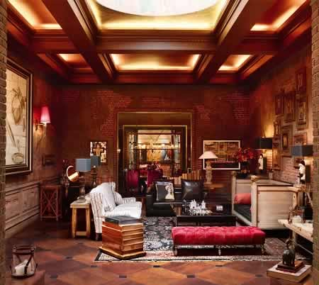 Shahrukh Khan's Living Room Is Designed By His Wife, Gauri.