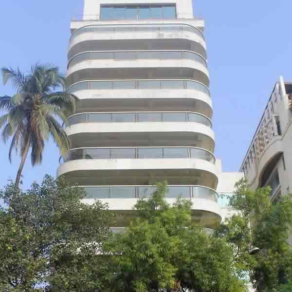 "Actor Aamir Khan lives at ""Freeda Apartments"", near Carter Road"