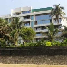 Akshay Kumar's House on the Sea Shore of Juhu Beach