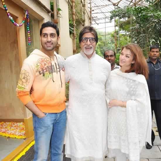 Amitabh, Aishwarya and Abhishek Bachchan at Jalsa, their Home