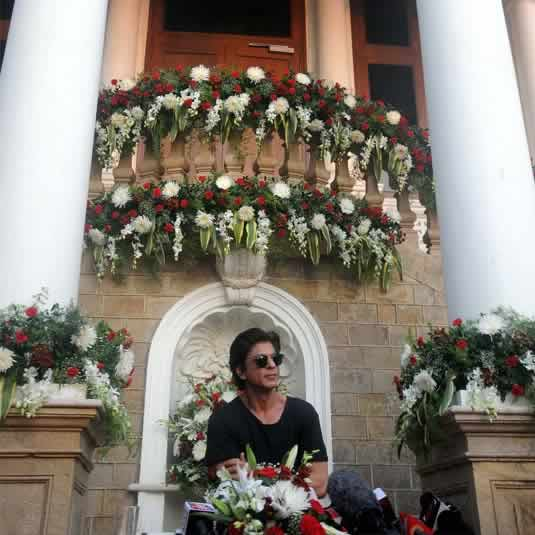 "Photo of Shahrukh Khan in ""Mannat"", his Mumbai Bungalow"