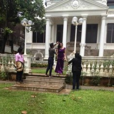 Shahrukh Khan's wife Gauri in the lawn of their Bungalow