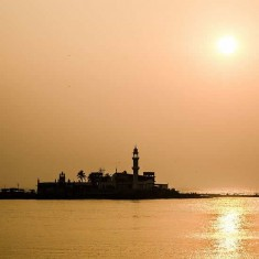 Haji Ali Is One Of Mumbai Most Famous Tourist Attraction