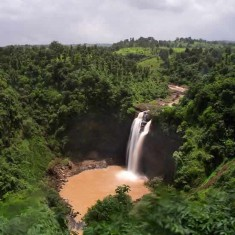 Jawhar Hill Station and Dabhosa Falls are near Mumbai and Pune