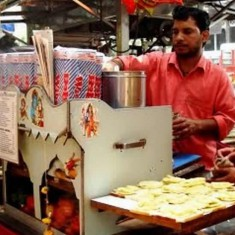 Street Hawkers Sell Mumbai Sandwiches All Over Mumbai