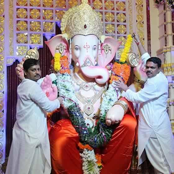Andheri Cha Raja is the most famous Ganpati in Mumbai's Suburb