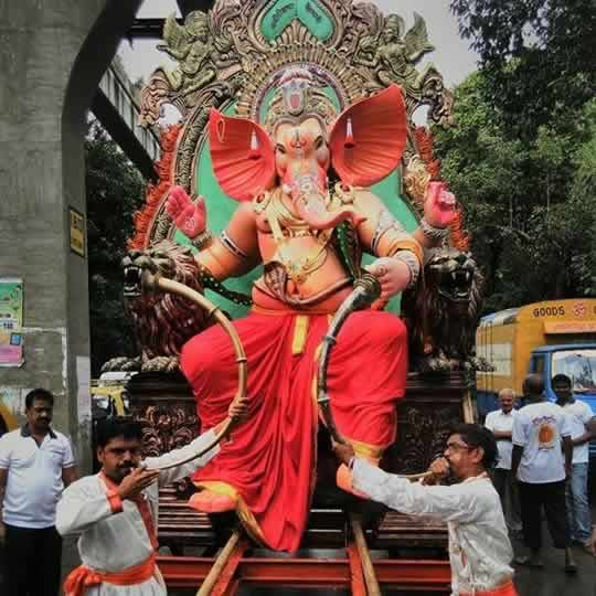 Photos of 2015 ganpati idols ganesh chaturthi in mumbai wonderful 2015 currey roadcha kaivari ganapati idol is among mumbais best thecheapjerseys Image collections