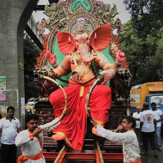 2015 Currey Road Cha Kaivari Ganapati Idol is among Mumbai's Best