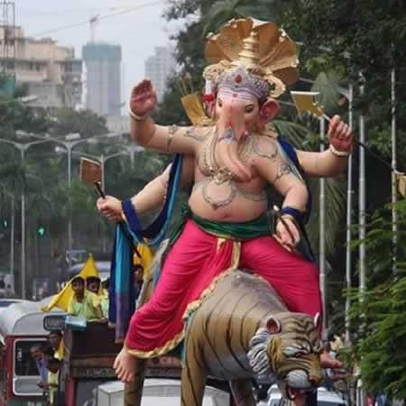 Vijay Khatu made the 2015 Kamatipura Cha Chintamani Ganesh