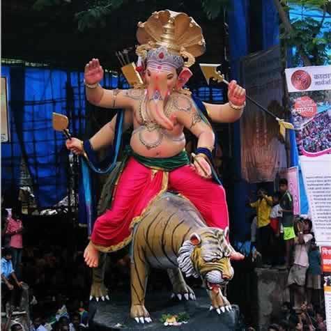 Kamatipura Cha Chintamani is a famous Ganeshi from Mumbai
