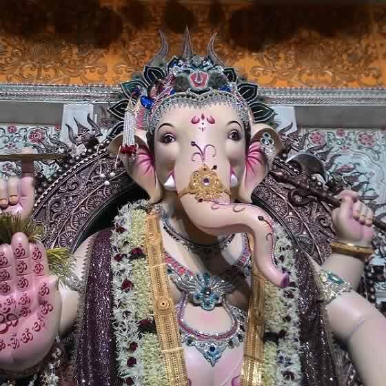 Galli 12 Khetwadi Cha Ganraj Is A Beautiful Ganpati
