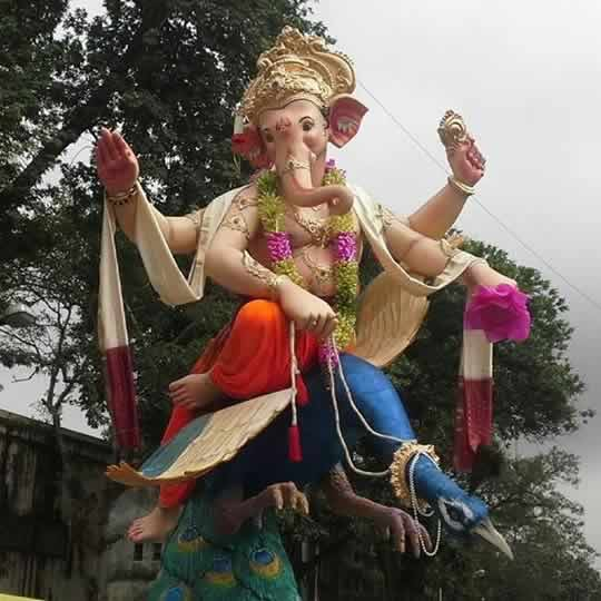 Khetwadi Galli 7 has a beautiful Ganesh Idol in 2015